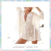 ★Victoria's secret★セール!Embroidered Tie-front Tunic♪ Victoria's secret(ヴィクトリアシークレット) バイマ BUYMA