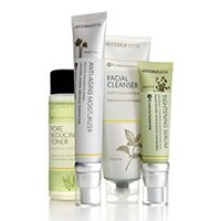 doTerra ドテラ Skin Care System with Anti-Aging Moisturizer アンチエイジング スキンケア キット [海外直送品]