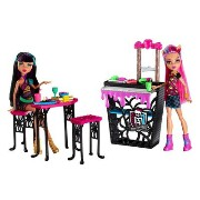 Monster High モンスターハイ Creepateria with Cleo de Nile and Howleen Wolf クリーパテリア クレオ・デ・ナイル ハウリーン...