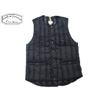 ROCKY MOUNTAIN FEATHERBED(ロッキーマウンテンフェザーベッド)/#450-512-22 SIX MONTH CREWNECK VEST/black